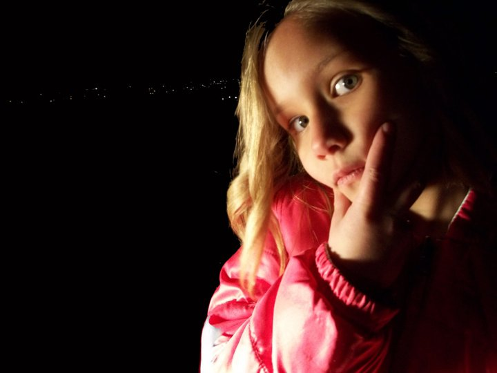 Night Shot, Shadow, Light, Dark, Contrast, child photography